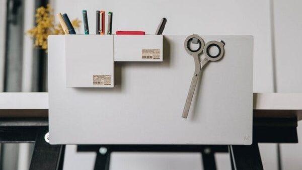 見せる事にこだわった新しい形のデスク収納「ZENLET The Rack」